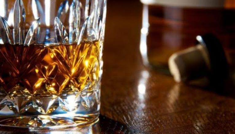 De juiste cadeaus voor de whisky-drinken